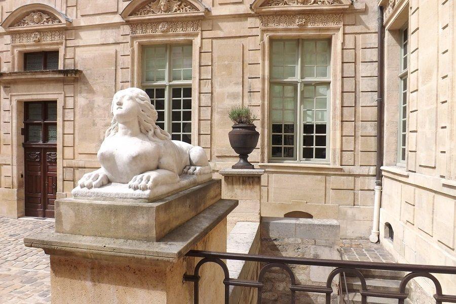 hoteld e sully sphinx
