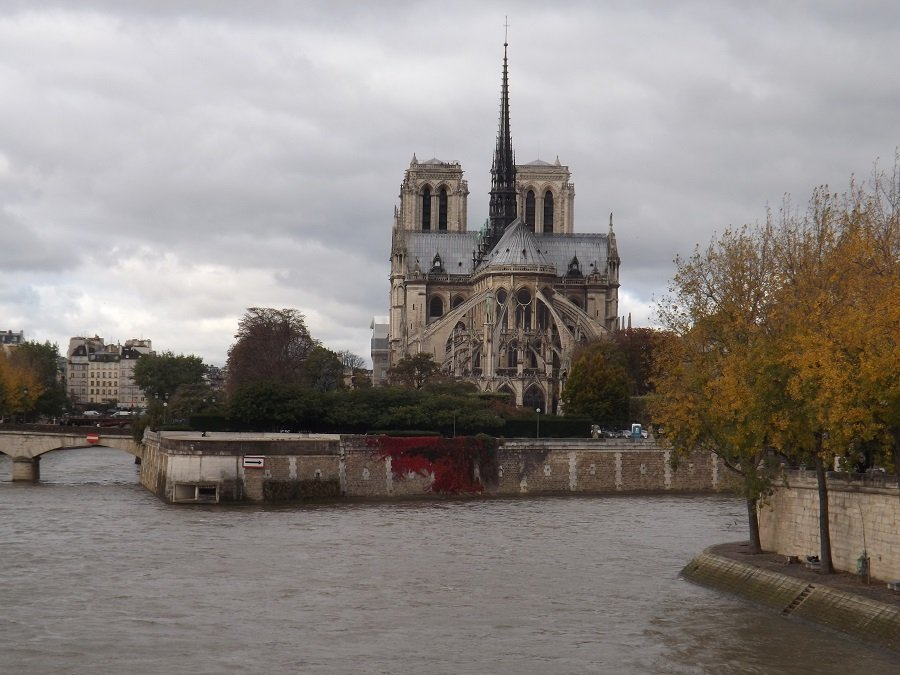 chevet ND Paris