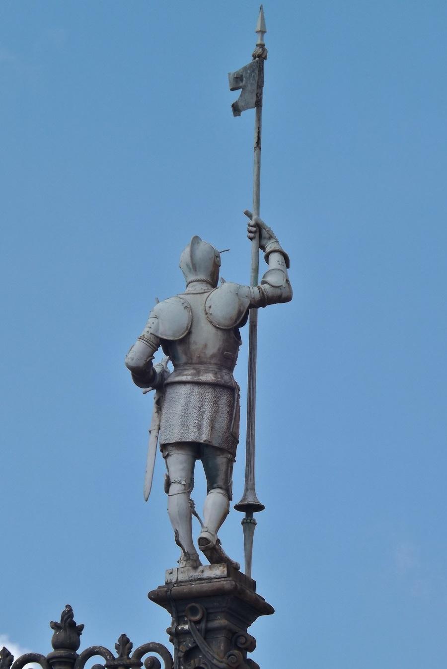statue extérieure