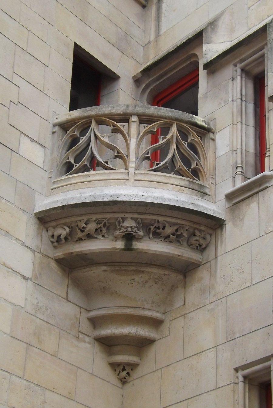 balcon hotel de sens